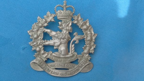 The Lorne Scots Peel Dufferin&Halton cap badge.