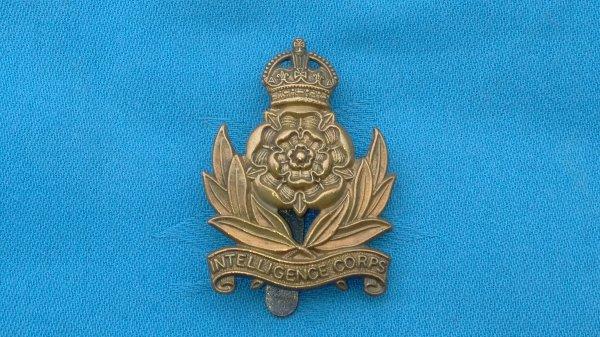The Intelligence Corp cap badge.