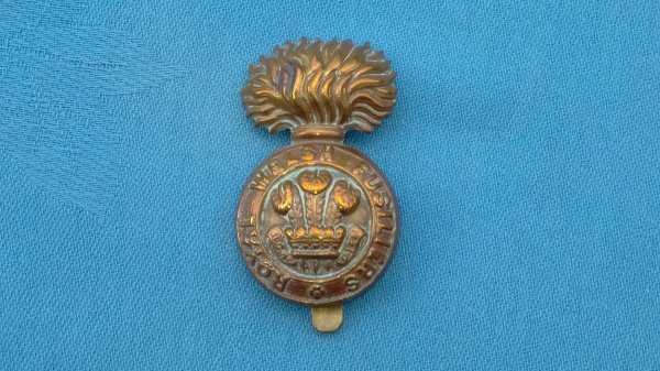The Royal Welsh Fusiliers cap badge.