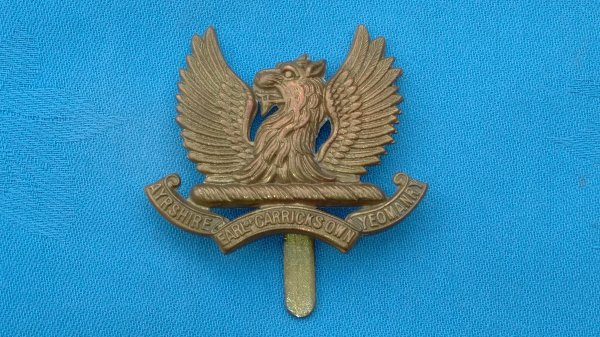 The Aryshire Yeomanry Earl of Carricks own cap badge.