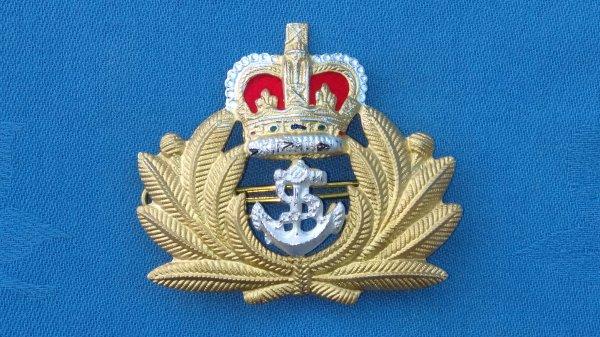 Royal Navy Warrant Officers cap badge.