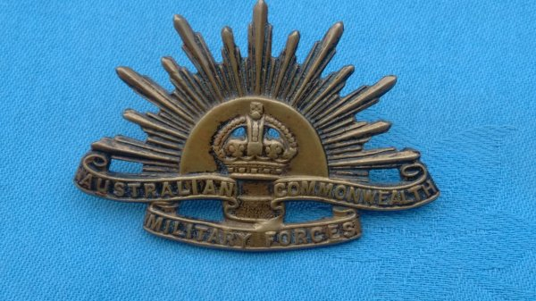 The Australian Commonwealth Military Force cap badge.