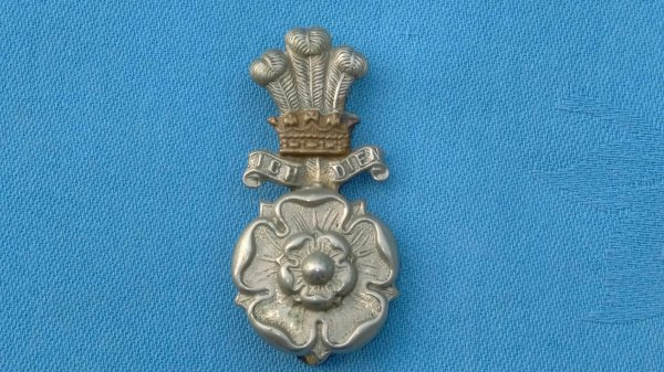 The Yorkshire Hussars Yeomanry cap badge.
