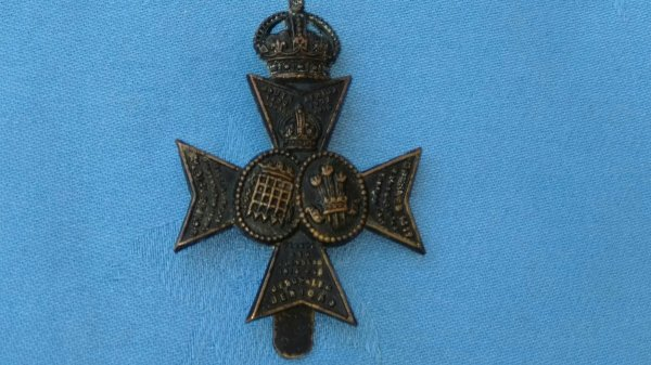 The 16th County of London Battalion Westminster Rifles cap badge.