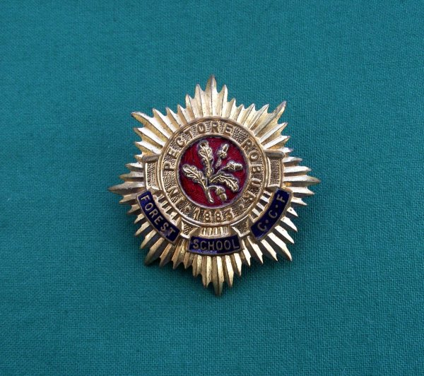 Forest School, Walthamstow Combined Cadet Force Cap Badge