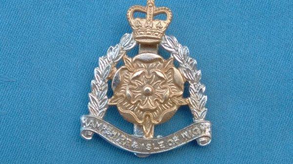The Hampshire&Isle of Wight Territorials cap badge.