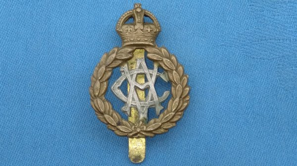 The Royal Army Veterinary Corp cap badge.