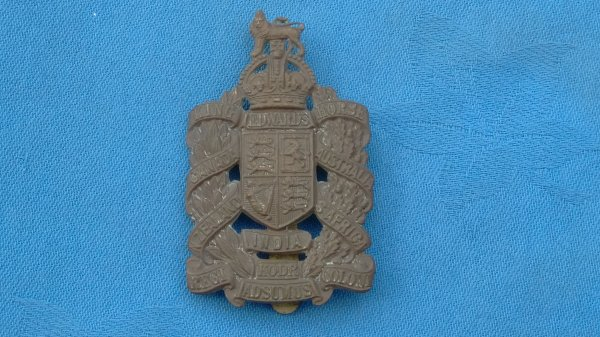 The King Edward Horse Yeomanry cap badge.