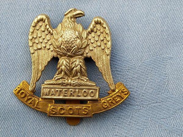 The Royal Scots Greys cap badge.
