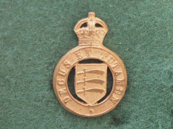 Essex Yeomanry gilt collar badge