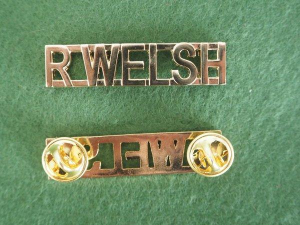 R Welsh Regiment shoulder title pair