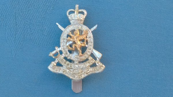 The Queens own Dorset&West Somerset Yeomanry cap badge.