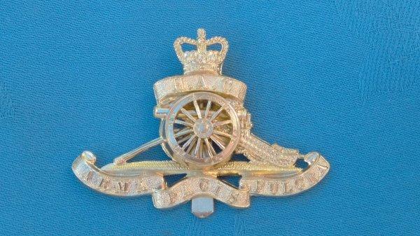 The Honourable Artillery Company cap badge.