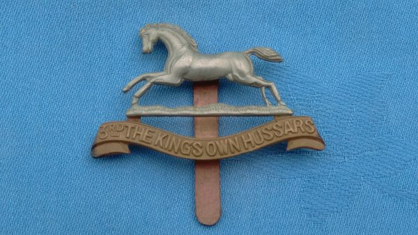 The 3rd Kings own Hussars cap badge.