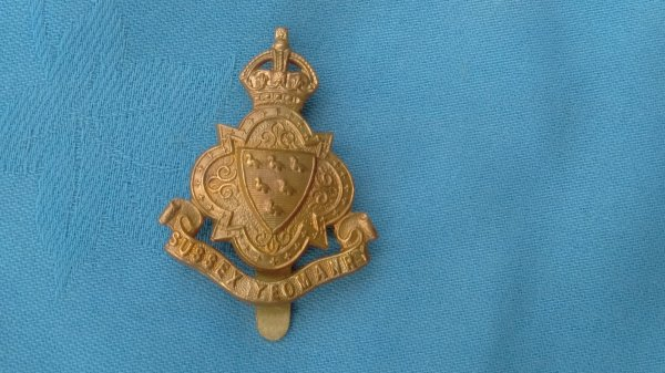The Sussex Yeomanry cap badge.