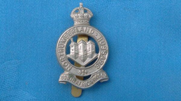 The Northumberland ( Hussars ) Yeomanry cap badge.