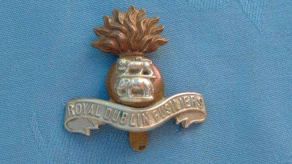 The Royal Dublin Fusiliers cap badge.