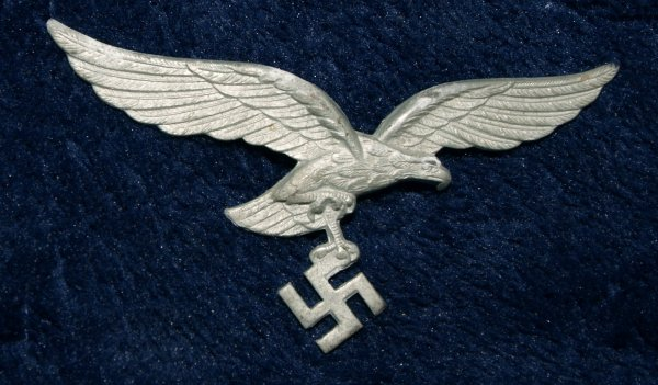 WW2 German Luftwaffe NAZI Eagle Cap Badge
