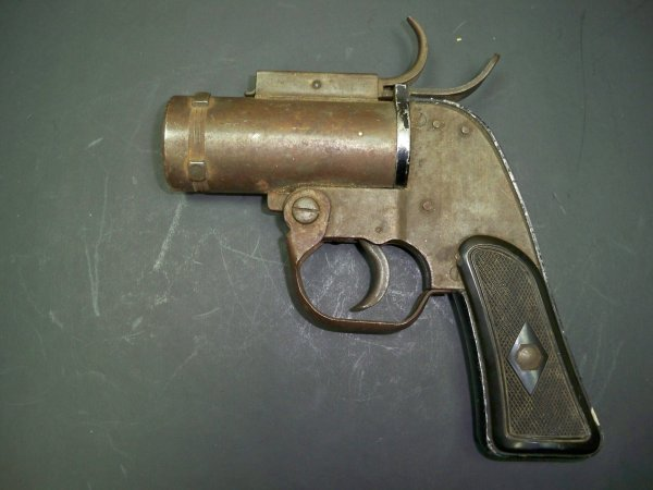 Original U.S. WWII M8 Pyrotechnic 37mm Flare Signal Pistol by SWC - Serial 2680