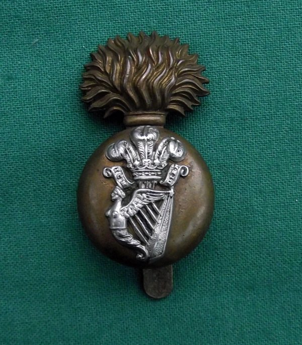 Scarce Edwardian Royal Irish Fusiliers Cap Badge