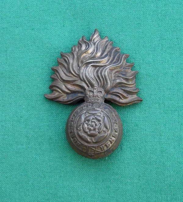 Scarce QC Royal Fusiliers ORs Cap badge Gaunt London