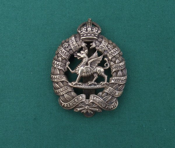 Rare 1st Bn monmouthshire regiment - Gilding Metal cap badge