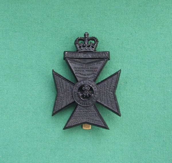 Rare 'Queen's Crown' Pattern, Plastic King's Royal Rifle Corps Plastic Cap Badge